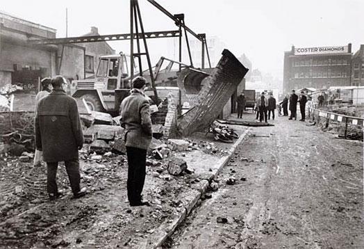 afbeelding: sloop van de Korte Houtstraat in 1970