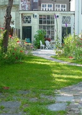 tuinhuis voor de restauratie