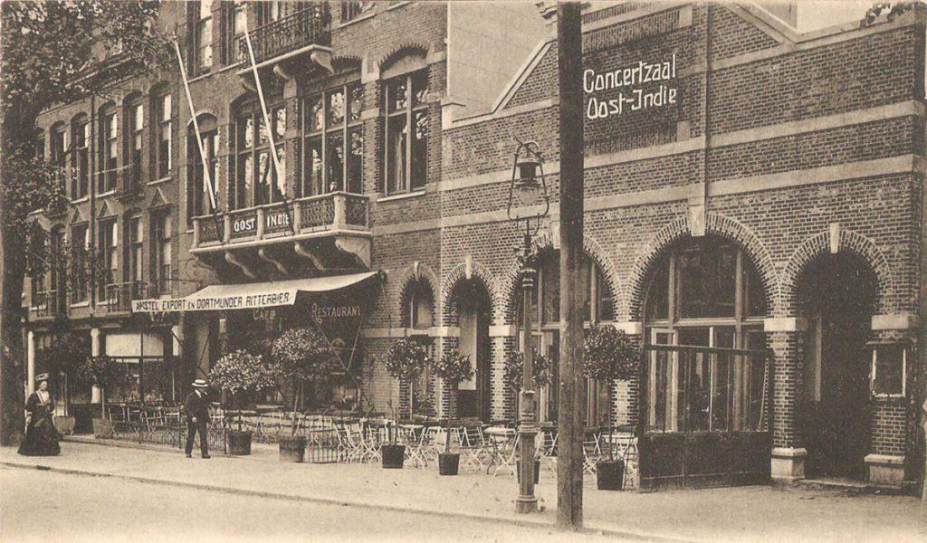 Middenweg 6-14 - ± 1915 . Foto: Jan van Deudekom
