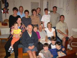 mijn tachtigste verjaardag in 2002, met mijn familie.