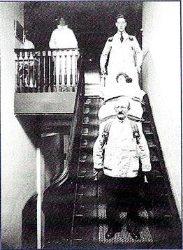 1929 verhuizing Antoni van Leeuwenhoek Keizersgracht 706 (3e verd).