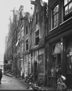 Uilenburgerstraat begin vorige eeuw